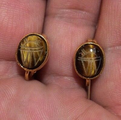 Nice Vintage Carved Tiger Eye Egyptian Scarab Stone Gold Tone Clip On Earrings