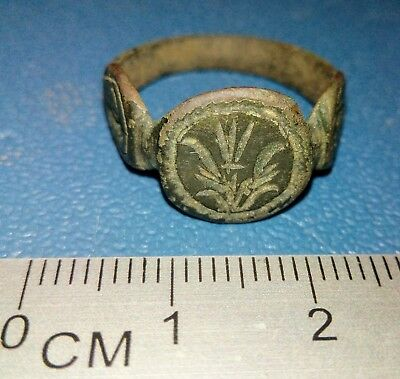 Post Medieval bronze Ring 16-17th century.