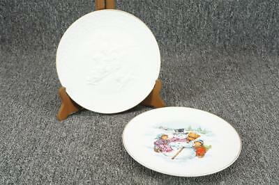 """Vintage Avon A Child's Christmas Collector's Plates 8"""" Gold Trim 1985-1986"""