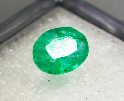 Natural 1.70 Cts. Beautiful  Oval Cut Colombian Loose Emerald Gems. 7128