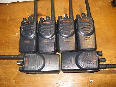 6 Motorola Mag One / Bpr40 / Two Way Radios Aah84Rcs8Aa1An With Chargers