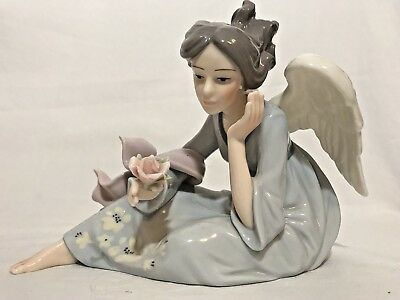 MEMBER'S MARK Porcelain Angel Hand Painted Holiday Collection  EUC!