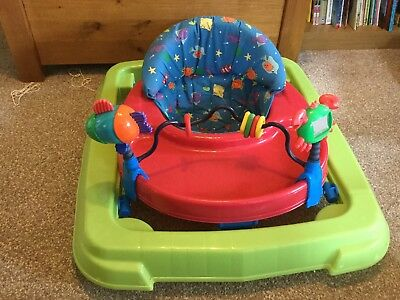 baby walker  green Red And Blue In Good Condition