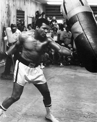 Muhammad Ali 1960'S Working Out In Gym 8x10 Photo