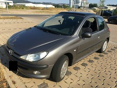 Peugeot 206 HDI 90PS Diesel 2 Liter Coupe BJ 2000 TÜV 11.2019 278tkm