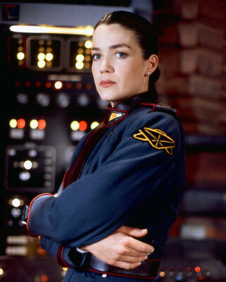 Claudia Christian Babylon 5 Color 8x10 Photo (20x25 cm approx)