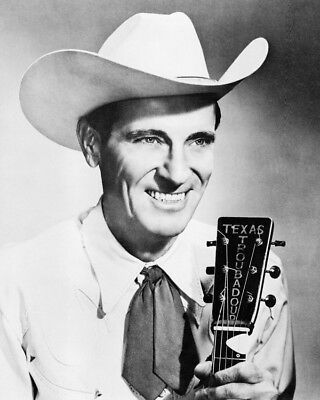 Ernest Tubb Smiling Holding Guitar 8x10 Photo (20x25 cm approx)