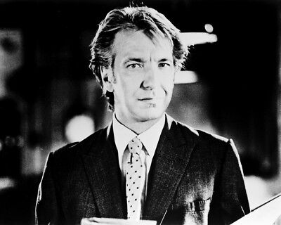 Alan Rickman 8x10 Photo (20x25 cm approx) In Suit Looking Suave