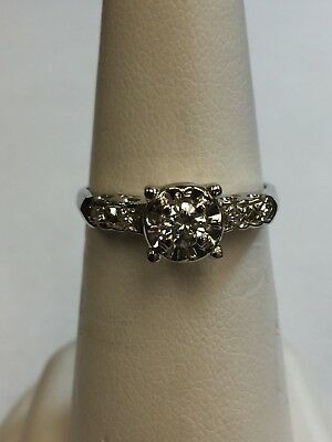 Antique Art Deco 14K white gold and diamond engagement ring very pretty