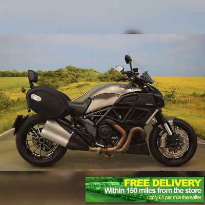 Ducati Diavel Strada 2013 ** TOURING SCREEN, BREMBO'S, PANNIERS, BACK REST **