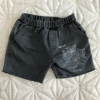 Zuttion Toddler Boy Shorts Size 4 EUC