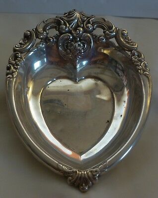 "WALLACE ""ROSE POINT"" STERLING SILVER HEART SHAPE CANDY DISH #4850-9 --76.5 grams"