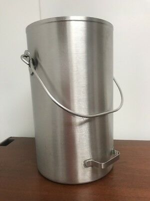Vollrath 20 Quart Covered Ice Cream/Tote Pail Stainless Steel #59200