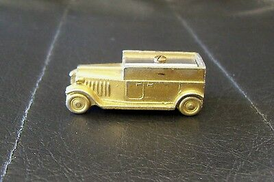 Auto Bleistiftanspitzer Metall Penny Toy Germany  pencil sharpener