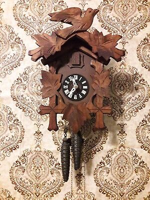 Vintage Schmeckenbecher Cuckoo Clock fully restored, cleaned/serviced.