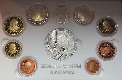 2011 Vatican 8 Euro Proof Coin Set & Silver Medal Reopening Apostolic Library