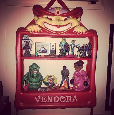 (1) NEW Vendora Vendall Vending Machine Cover Demon Gypsy Display Action Figure