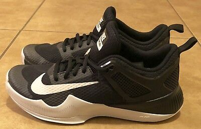 c335fccfe7587 NIKE AIR ZOOM HyperAce Size 12 Women s Black-White Volleyball Shoes ...