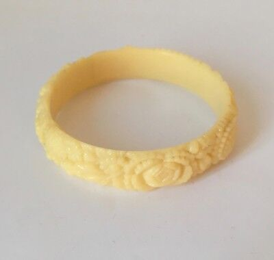 Vintage 1940s 1950s Celluloid Cream Plastic Bangle Carved Flowers Bracelet