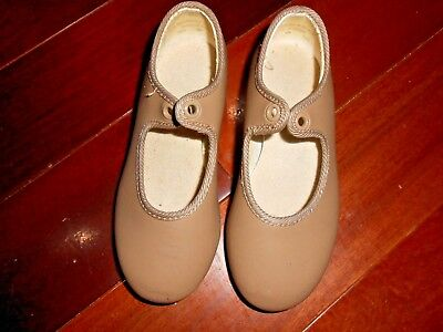 Tap Shoes For The Youngster / Brown / Size 7.5 -- Med Width  / Lot 6623