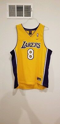 Nike Los Angeles Lakers Kobe Bryant 8 Swingman Jersey Gold stitched Mens XXL 64fa2601c