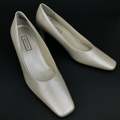 Nordstrom Womens Ivory Leather 2 5 Inch Heels Pumps Square Toe Size 7 N Shoes