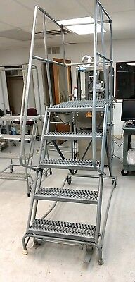 5 Step Rolling Ladder with Lock