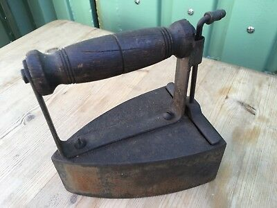 Interesting Collectable Rare Old Cast Iron Flat Hot Iron For Clothes 17x15.4cm