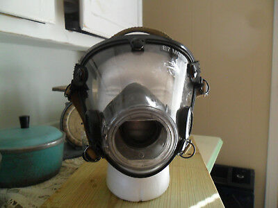 Pre-Owned SCOTT AV-2000 SCBA Mask Comfort Seal Part Number 10009779 Size Large
