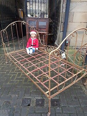 Victorian Wrought Iron Single Bed/day Bed reduced for quick sale