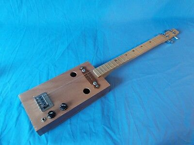 """cigarbox 4 string electric guitar """"Undercrown"""" 19 frets"""