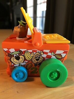 Hanna Barbera YOGI BEAR Picnic Basket Plastic Car Cartoon Network Wacky Racing