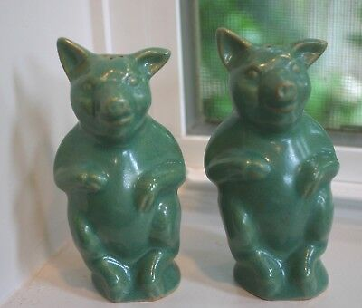 North Dakota Rosemeade Wahpeton Art Pottery FIGURAL PIGS Salt and Pepper Shakers