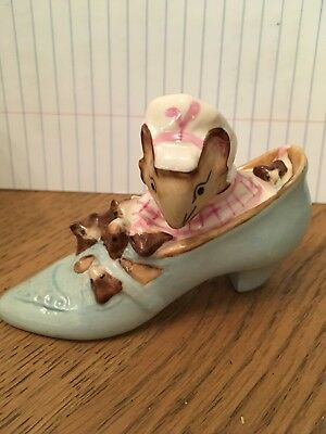 """beatrix potter figurines """"the Old Woman Who Lived In A Shoe"""" - 1959"""