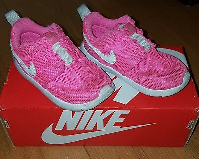 new product ce01e d1b31  nike Roche One  Toddler   Junior   Infant Girls Pink Trainers Size 7.5Uk
