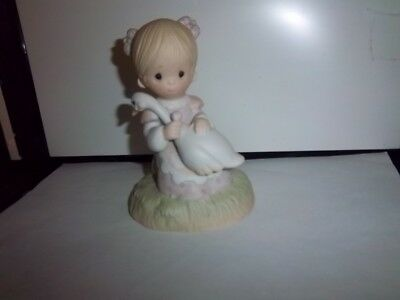 "*PRECIOUS MOMENTS* Vintage ""God Is Love"" Girl & Goose *FIGURINE* 1983 Ex Cond"