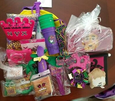 2018 Krewe of Nyx Mardi Gras Parade Throws Lot 2 Purses, Cups, Beads, Earrings