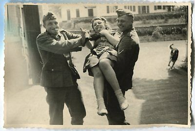 German Wwii Photo From Archive: Soldiers With Girl