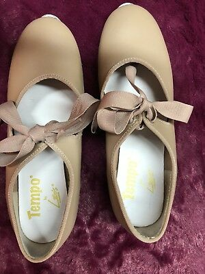 EUC - Tempo by Leo's Girl's Size 2 W Tan Tap Shoes - Bow Tie