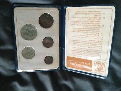 BRITAIN'S FIRST DECIMAL COINS - Set in a blue wallet