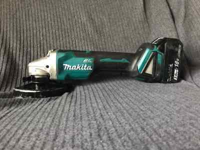 MAKITA BRUSHLESS CORDLESS ANGLE GRINDER 125mm + 3.0ah battery