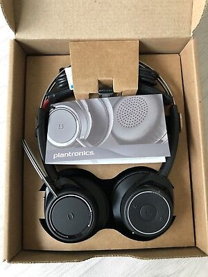 Plantronics Voyager Focus UC B825-M, No Stand - Retail Packaging NEW