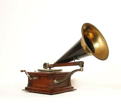 Outstanding 1903 Victor E Phonograph w/Original Victor Horn * Works Great