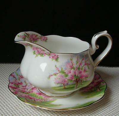 BLOSSOM TIME Royal Albert SAUCE or GRAVY BOAT with UNDERPLATE Bone China EUC