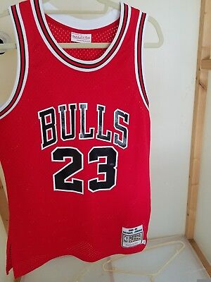 finest selection 800ae c6323 AUTHENTIC MICHAEL JORDAN Mitchell and Ness jersey size 40