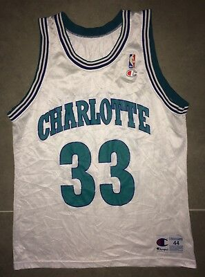 Maillot Basketball Champion Charlotte  #33 Mourning T. 44-L NBA Shirt Vintage