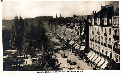Oslo Norway, Carl Johan`s Gate And Royal Palace. - Rp Postcard. - Unposted.