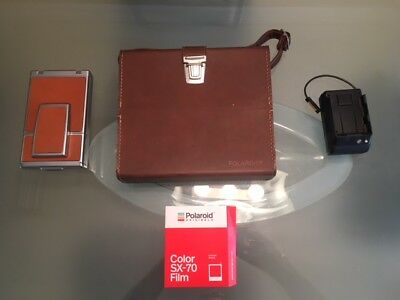 Polaroid SX-70 Land Camera Alpha 1.  Tested and works. Leather case and flash.