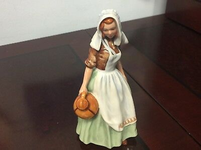 "~* Royal Doulton Figurine ""the Milkmaid"" H.n. 2057 (1949) ~*"