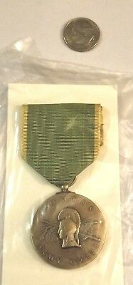 Original WW2 / WWII Era Women's Army Corps Medal in Package READ